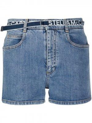 Джинсовые шорты с логотипом на поясе Stella McCartney. Цвет: синий