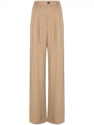 Широкие брюки Mason со складками Reformation. Цвет: коричневый