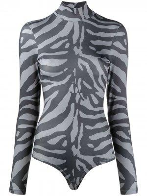 Боди из джерси с высоким воротником и зебровым принтом Atu Body Couture. Цвет: серый