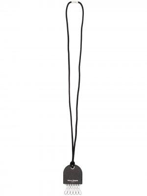 Ключница с логотипом Maison Margiela. Цвет: черный