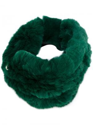 Меховой ободок для волос Yves Salomon. Цвет: зеленый
