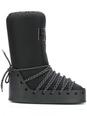 Ботинки с логотипом Fendi. Цвет: черный