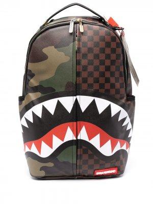 Рюкзак с камуфляжным принтом Sprayground. Цвет: коричневый