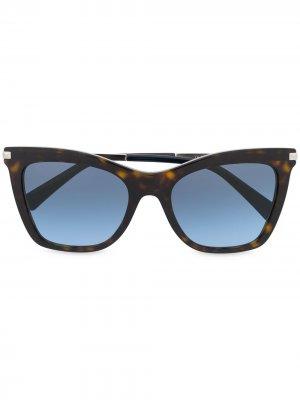 Солнцезащитные очки в оправе кошачий глаз Valentino Eyewear. Цвет: коричневый