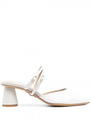 Туфли с заостренным носком Jacquemus. Цвет: белый