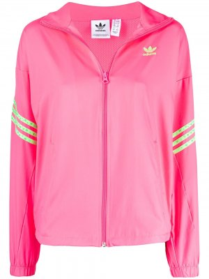 Куртка на молнии с логотипом adidas. Цвет: розовый