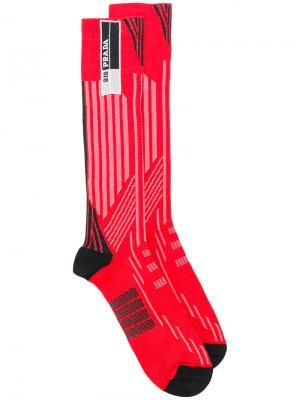 Носки в полоску Prada. Цвет: красный