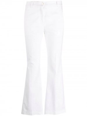 Укороченные расклешенные брюки Incotex. Цвет: белый