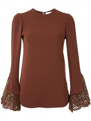 Блузка с кружевом Mame Kurogouchi. Цвет: коричневый
