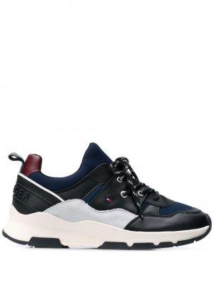 Массивные спортивные кроссовки Tommy Hilfiger. Цвет: черный
