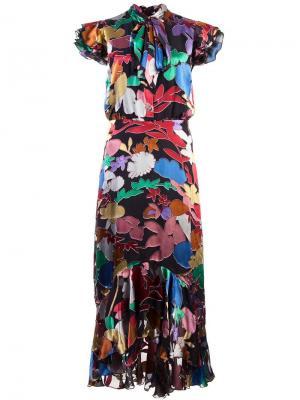 Платье с оборкой Greta Alice+Olivia. Цвет: черный