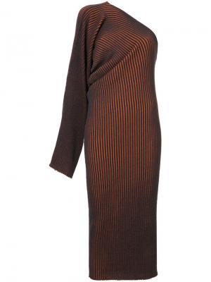 Вязаное платье на одно плечо в полоску Mm6 Maison Margiela. Цвет: синий