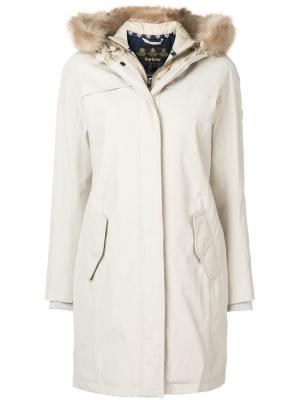 Fur hood trim parka Barbour. Цвет: нейтральные цвета