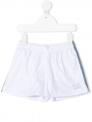 Плавки-шорты с лампасами и логотипом Douuod Kids. Цвет: белый