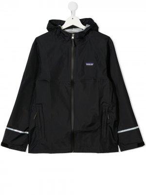 Куртка с капюшоном и нашивкой-логотипом Patagonia Kids. Цвет: черный