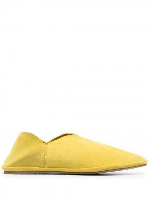 Слиперы Latifa с заостренным носком Pedro Garcia. Цвет: желтый