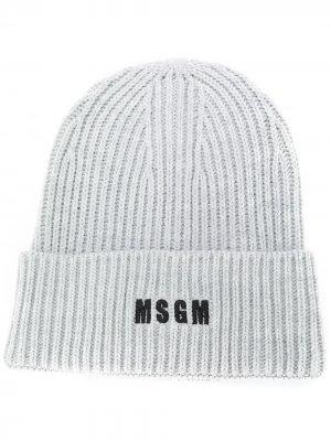 Шапка бини в рубчик с вышитым логотипом MSGM. Цвет: серый