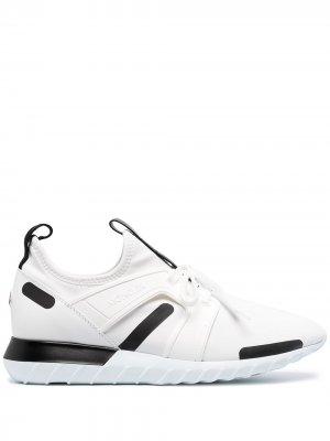 Кроссовки на шнуровке Moncler. Цвет: белый