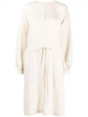 Фактурное платье-рубашка Raquel Allegra. Цвет: нейтральные цвета