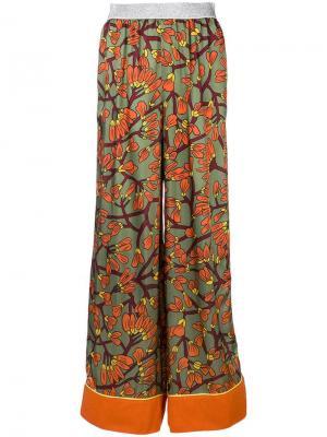 Брюки-палаццо с цветочным принтом I'M Isola Marras. Цвет: разноцветный