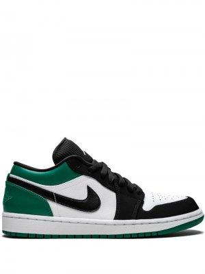 Кроссовки Air  1 Low Jordan. Цвет: белый