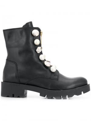 Ботинки на шнуровке с декоративными пуговицами Tosca Blu. Цвет: черный