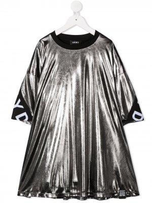 Платье с эффектом металлик и логотипом Dkny Kids. Цвет: серебристый