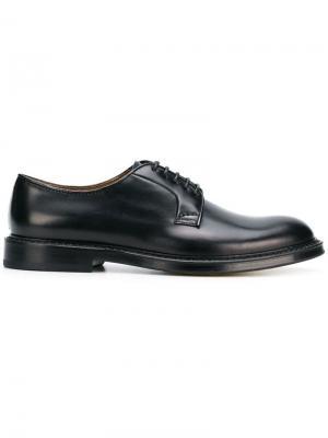 Туфли на шнуровке Doucal's. Цвет: черный