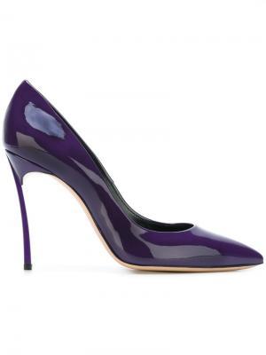 Туфли с заостренным носком Casadei. Цвет: розовый и фиолетовый