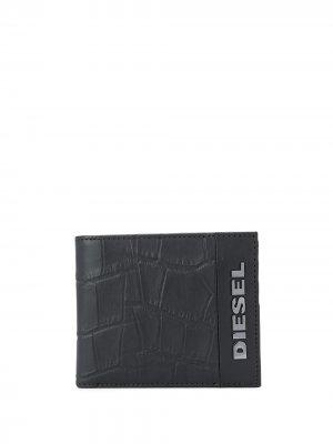 Бумажник с тиснением под крокодила Diesel. Цвет: черный
