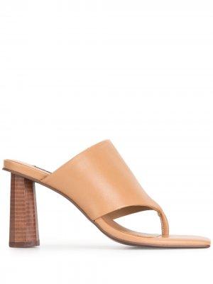 Босоножки с открытым носком Senso. Цвет: коричневый