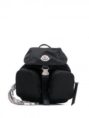 Рюкзак на одно плечо с карманами Moncler. Цвет: черный