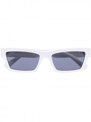 Солнцезащитные очки в прямоугольной оправе с декором Medusa Versace Eyewear. Цвет: белый