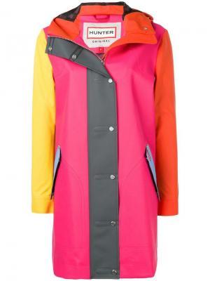 Пальто в стиле колор-блок Hunter. Цвет: розовый
