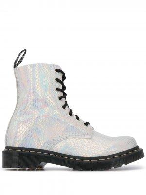 Ботинки 101 с эффектом металлик на шнуровке Dr. Martens. Цвет: серебристый