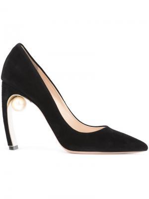 Туфли с жемчужной деталью Nicholas Kirkwood. Цвет: чёрный