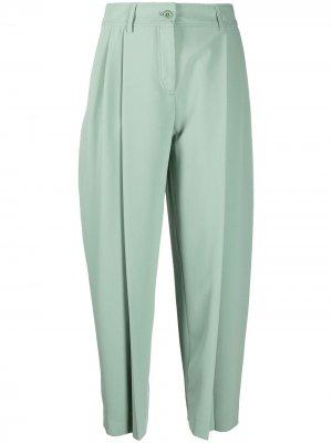 Зауженные брюки строгого кроя со стрелками See by Chloé. Цвет: зеленый
