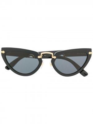 Солнцезащитные очки в оправе кошачий глаз Miu Eyewear. Цвет: черный