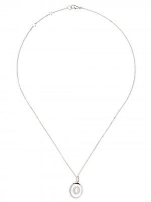Золотое колье с подвеской в виде буквы O Annoushka. Цвет: белый