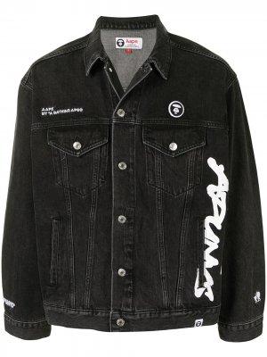Джинсовая куртка с логотипом AAPE BY *A BATHING APE®. Цвет: черный