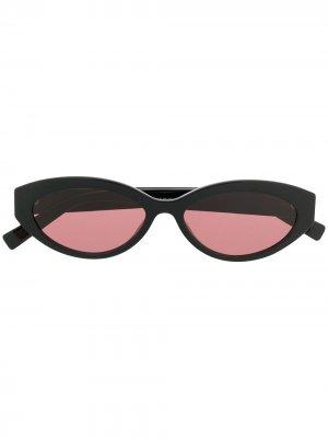 Солнцезащитные очки в овальной оправе Max Mara. Цвет: черный