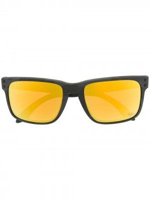 Солнцезащитные очки в футуристичном стиле Oakley. Цвет: серый