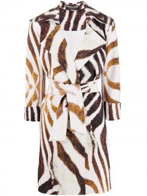 Пальто с ремнем и анималистичным принтом Le Petite Robe Di Chiara Boni. Цвет: белый