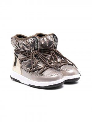 Зимние ботинки с эффектом металлик Moon Boot Kids. Цвет: серебристый