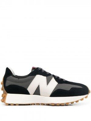 Кроссовки с нашивкой-логотипом New Balance. Цвет: черный