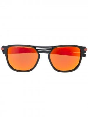 Солнцезащитные очки Latch Beta Oakley. Цвет: черный