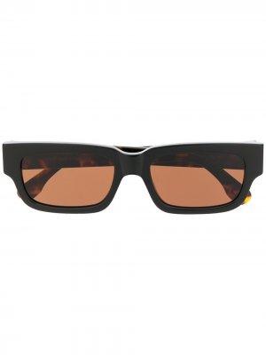 Солнцезащитные очки в прямоугольной оправе Retrosuperfuture. Цвет: коричневый