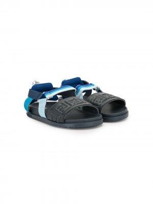 Сандалии с открытым носком и логотипом Fendi Kids. Цвет: черный