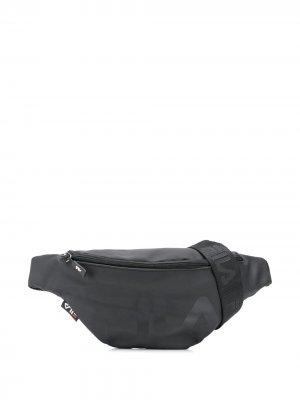 Поясная сумка с контрастным логотипом Fila. Цвет: черный