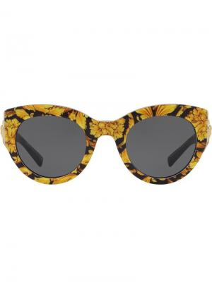 Солнцезащитные очки Tribute с принтом в стиле барокко Versace Eyewear. Цвет: желтый